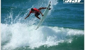 Rip Curl Pro Kicks Off with Big Scores and Excellent Surfing in France