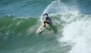 Lee Ann Curren Claims the ASP Grade-2 Rip Curl Pro Junior Mademoiselle