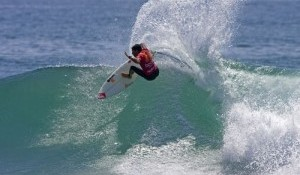 Picon Secures Round 3 Berth, Pires, Flores and Aranburu to Surf Round 2 of Boost Mobile Pro