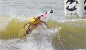 Billabong Girls Pro Rio Round 1 Hits the Water at 10:15am