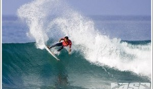 Flores Shines at Lower Trestles and Reaches Quarterfinals
