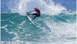 Flores Places Equal 3rd in Boost Mobile Pro of Surf