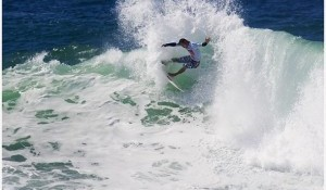 Bourez Eliminates Durbidge, Slater Could Clinch ASP World Title No. 9 Tomorrow
