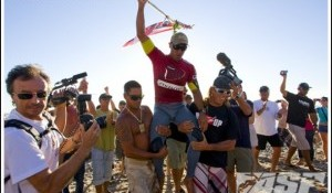 Bonga Perkins Wins Oxbow World Longboard Tour, Takes ASP WLT Title