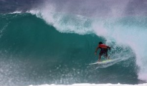 Parko Dominates At Kirra