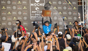 Mick Victorious in Peniche, World Title Down to Pipe