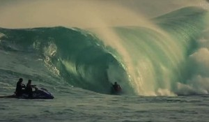Kelly Slater, Mad Spongers and a Big Heavy Right