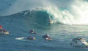 A Late December Paddle Session at Jaws