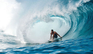 Teahupoo looms for Bourez and Hedge: 21 Days